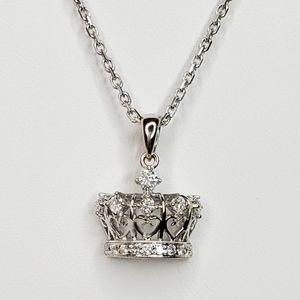 18k White Gold Diamond Crown Pendant With Chain